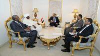 الأحمر يدين اقتحام السفارة السودانية من قبل مليشيا الانقلاب في صنعاء
