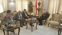 وزير الداخلية يؤكد استمرار تنسيق الحكومة مع أمريكا في مجال مكافحة الإرهاب