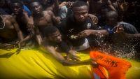 الصوماليون الناجون من الغرق يروون عملية إغراقهم في السواحل اليمنية (ترجمة خاصة)