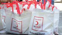 """""""الهلال التركي"""" يبدأ توزيع أضاحي العيد في عدن"""
