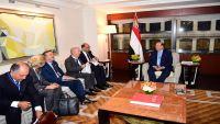 إيطاليا: استمرار المواجهات المسلحة باليمن سيؤدي إلى تفاقم الأوضاع الإنسانية الصعبة