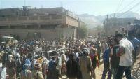 إصابة ضابط بانفجار عبوة ناسفة استهدفت سيارة إسعاف في حريب مأرب (صور)