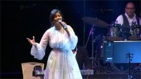 وقف شيرين عن الغناء شهرين لسخريتها من مياه النيل