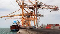 التحالف العربي: ميناء الحديدة سيبقى مفتوحا لشهر رغم الهجوم