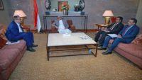 نائب الرئيس يؤكد اهتمام الشرعية بقضايا المغتربين