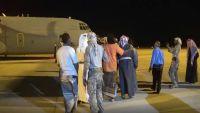 محافظ المهرة يصل الغيظة ويدشن الرحلات المدنية في المطار