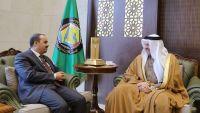الإرياني يبحث مع الزياني التطورات على الساحة اليمنية