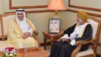 صحيفة: مباحثات سرية في مسقط لحل الأزمة اليمنية