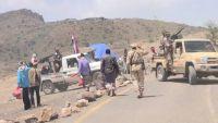 مسلحو الحراك بالضالع يغلقون الطريق العام تزامنا مع تفجير المجلس الانتقالي للأوضاع بعدن