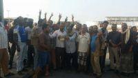 المليشيا تختطف نقابيين وموظفين مضربين عن العمل في شركة النفط بالحديدة