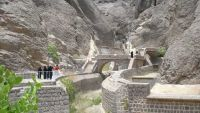 دماج يوجه بمتابعة قضية البناء العشوائي في صهاريج عدن التاريخية