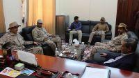 محافظ حضرموت يلتقي وفد عسكري من السعودية