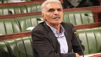 نائب تونسي يمزّق علم إسرائيل ويتهم رئيس البرلمان بالخيانة