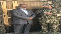 طارق يزور جبهة الساحل الغربي ويلتقي قيادات عسكرية بتنسيق إماراتي