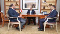 نائب الرئيس يشدد على تكثيف التواصل بمختلف مكونات العاصمة صنعاء لمواجهة الانقلاب