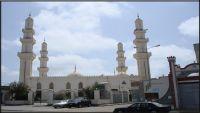 """إمام مسجد في عدن يعلن """"إلغاء"""" خطبة وصلاة الجمعة"""