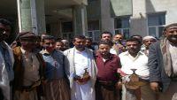 مليشيا الحوثي تفرج عن الصحفيين المنيفي والعيسي بعد عامين من الاختطاف
