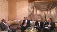 السفير الأمريكي يبحث مع اليدومي مستجدات الأوضاع في اليمن