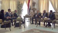 الحكومة تدعو الأمم المتحدة للضغط على الحوثيين لايجاد آلية لصرف الرواتب