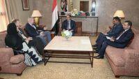 بريطانيا تبدي استعدادها تعزيز ورفع نسبة الدعم الأمني والعسكري مع اليمن