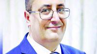 وزير في الشرعية يُرجع سبب استقالته إلى منع هادي من العودة وسلب القرار السيادي من قبل التحالف