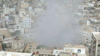تعز .. استشهاد طفل وإصابة آخر في قصف حوثي على حي سكني