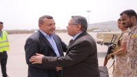 مصادر: الحكومة برئاسة بن دغر ستصل إلى عدن مساء اليوم