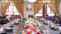 الحكومة تحمل إيران مسؤولية هجمات الحوثيين الصاروخية على السعودية