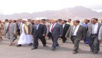 بن دغر: الحوثيون يستخدمون ميناء الحديدة لتهريب الصواريخ الباليستية