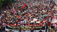 عمال العالم يتظاهرون يوم عيدهم للمطالبة بحقوقهم