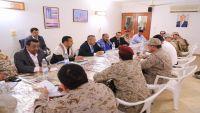 لجنة إزالة التوتر تُقر عودة القوات اليمنية إلى مطار وميناء سقطرى وسحب القوات الإماراتية