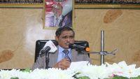 محافظ حضرموت يصدر قرارات بإيقاف مسؤولين حكوميين على خلفية احتجاجات المكلا