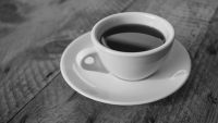 سبعة بدائل للقهوة تجدد نشاطك في المكتب.. تعرف عليها