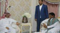 سفير السعودية باليمن يصل المهرة ويعزز حضور بلاده بالمحافظة