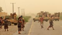معركة الحديدة تعيد تشكيل التحالفات: تقارب الشرعية الإمارات نموذجاً