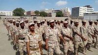 """مصادر عسكرية تنفي لـ""""الموقع بوست"""" إخراج المعسكرات التابعة للشرعية من عدن"""