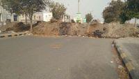 الحديدة.. حفريات وخنادق الحوثي تقطع أوصال المدينة