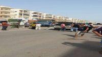 نجاة محافظ تعز من محاولة اغتيال في عدن ومقتل  عدد من مرافقيه