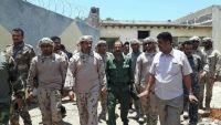إدارة سجن بئر أحمد تفرج عن  12 مختطفا بعد إضرابهم عن الطعام