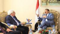 غريفيث يبحث مع الحوثيين الترتيب لمشاورات جديدة
