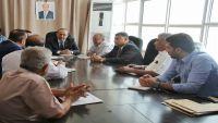 اجتماع في عدن لمناقشة آلية صرف الزيادة في رواتب موظفي الدولة