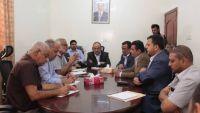 الحكومة تتوعد بمحاسبة من يقف وراء أزمة انطفاء الكهرباء في عدن