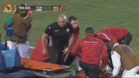 شاهد كيف أنقذ طبيب منتخب تونس لاعب الفريق الخصم من موت محقق