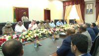 تحركات اقتصادية في عدن.. هل يُمهد التحالف إلى رفع العوائق أمام الحكومة الجديدة