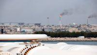 إيران تلجأ إلى بيع النفط في البورصة هربا من العقوبات