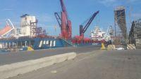 ميناء عدن يستقبل 54 حاوية و11 ألف طن من الغذاء التابع للأمم المتحدة