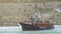 نجاة 10 مهاجرين بينهم امرأتان بعد 11 يوما من غرق قاربهم