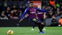 دموع لاعب برشلونة تشعل مواقع التواصل