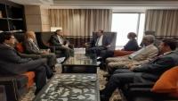 برلمانية الإصلاح تبحث مع السفير الأمريكي التحضيرات لعقد جلسات البرلمان بعدن