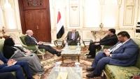 الرئيس هادي يطالب بريطانيا بممارسة مزيد من الضغوط على جماعة الحوثي